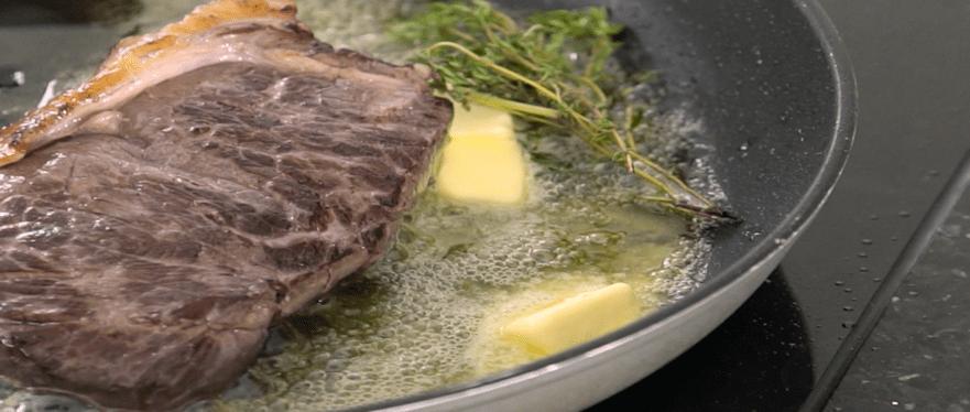 Biefstuk bakken in pan