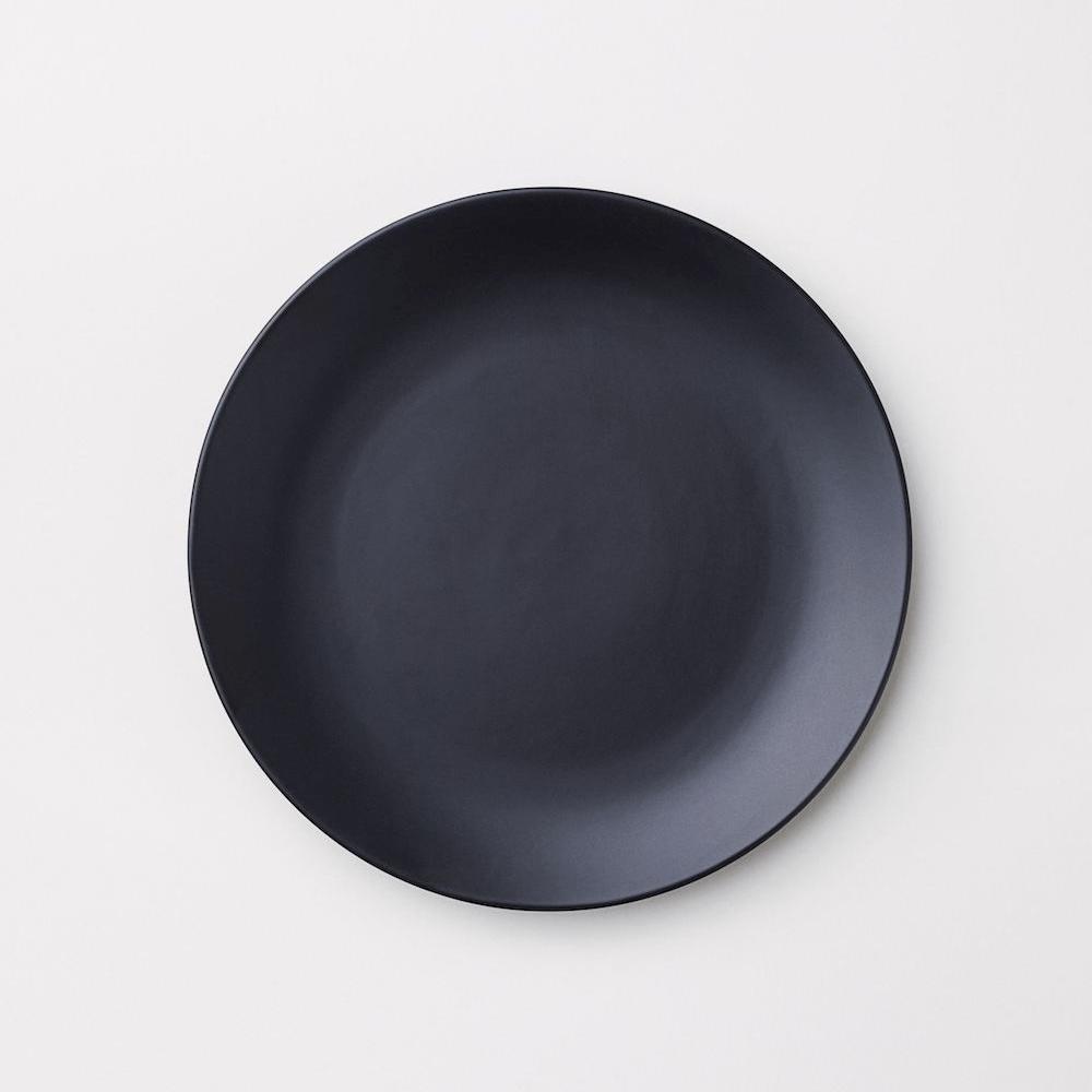Porseleinen-bord-zwart